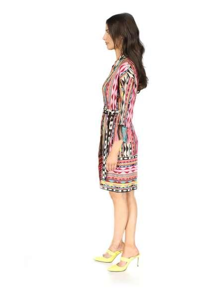 Skirt with asymmetrical hem